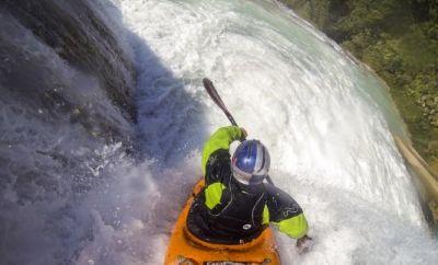 Red Bull Chasing Waterfalls mit Rafa Ortiz.